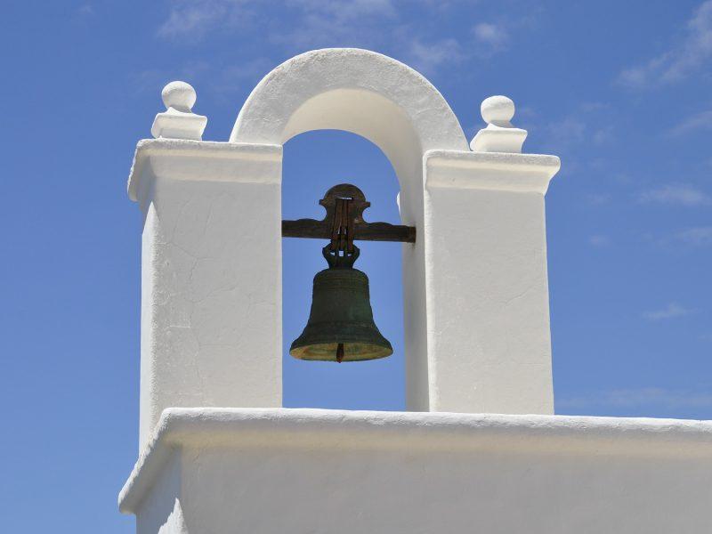 bell-204389_1920